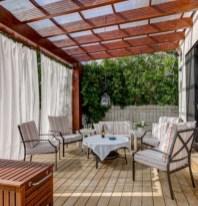 Rustic farmhouse porch steps decor ideas 04