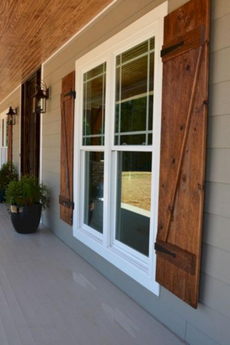 Rustic farmhouse porch steps decor ideas 14