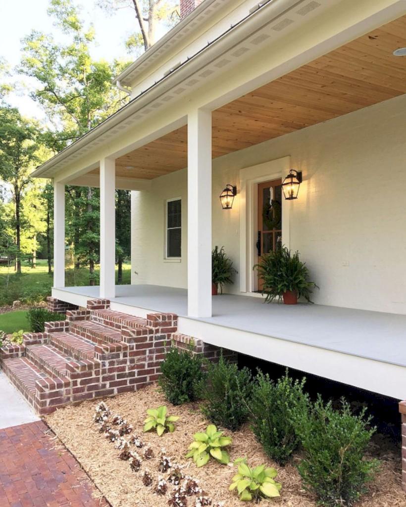 Rustic farmhouse porch steps decor ideas 31