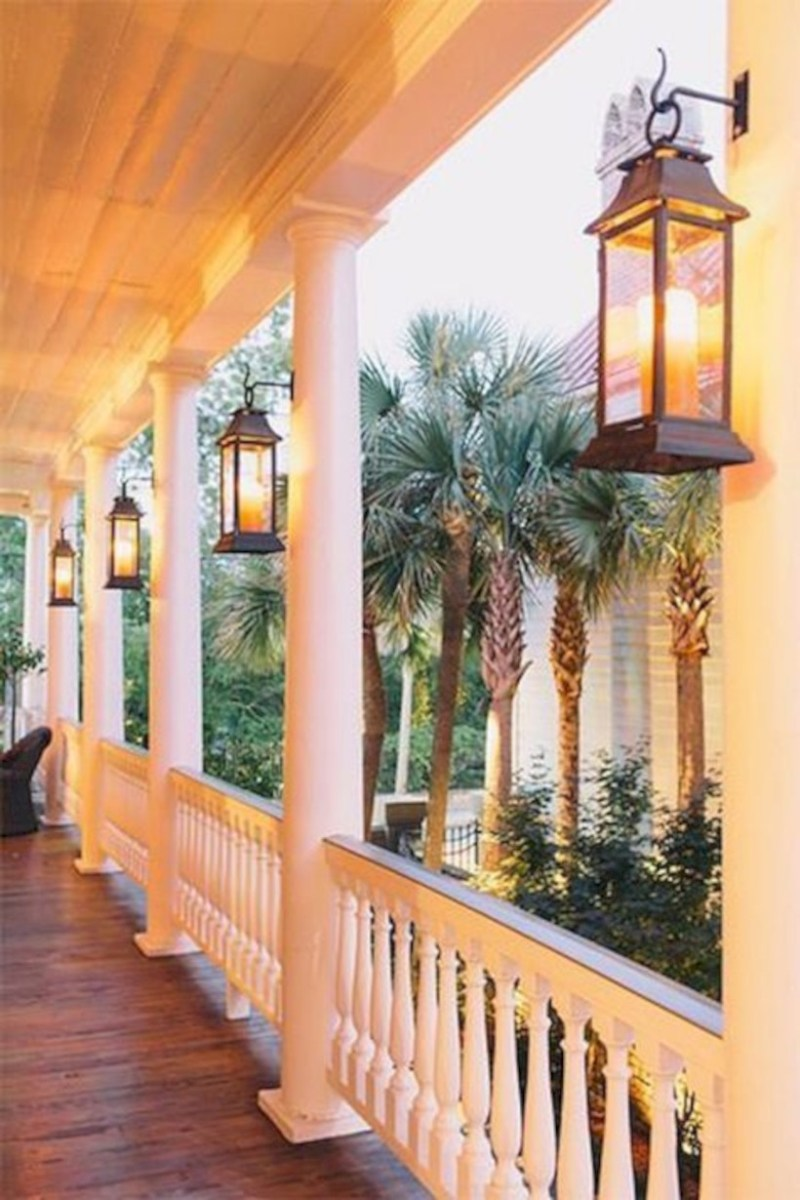 Rustic farmhouse porch steps decor ideas 33