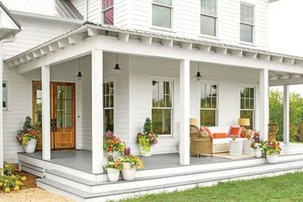 Rustic farmhouse porch steps decor ideas 42