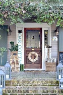 Rustic farmhouse porch steps decor ideas 43
