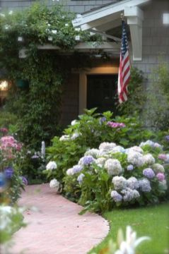 Stunning front yard entrance path walkway landscaping ideas 45