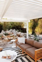 Totally inspiring boho living room ideas 31
