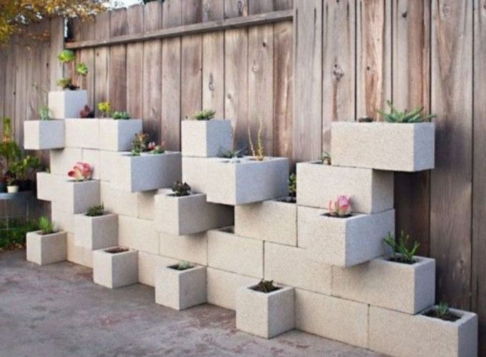 Adorable easy cinder block ideas for garden (38)