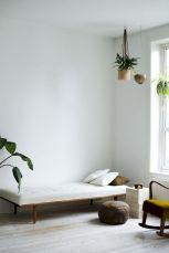 Adorable minimalist bedroom design decor ideas (19)