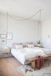 Adorable minimalist bedroom design decor ideas (33)