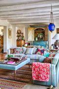 Amazing bohemian style living room decor ideas (32)