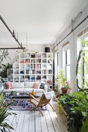 Amazing bohemian style living room decor ideas (42)