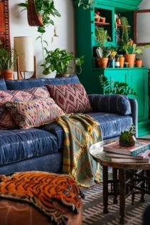 Amazing bohemian style living room decor ideas (8)
