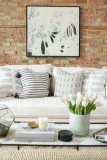 Beautiful marble coffee table design ideas for living room (20)