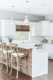 Cool coastal kitchen design ideas (14)