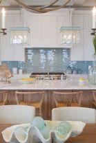 Cool coastal kitchen design ideas (27)