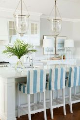 Cool coastal kitchen design ideas (37)