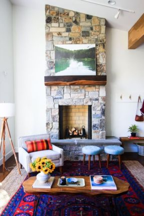 Cozy vintage chair design ideas you can add for your home (13)