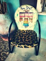 Cozy vintage chair design ideas you can add for your home (15)