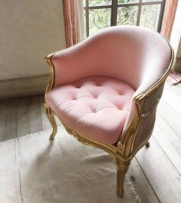 Cozy vintage chair design ideas you can add for your home (19)