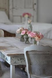 Cozy vintage chair design ideas you can add for your home (41)