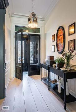 Modern entryway design ideas for your home (47)