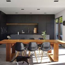 Stylish luxury black kitchen design ideas (24)