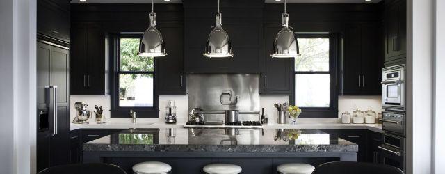 Stylish luxury black kitchen design ideas (46)