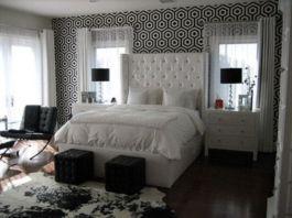 Totally inspiring black and white geometric wallpaper ideas for bedroom (32)