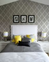 Totally inspiring black and white geometric wallpaper ideas for bedroom (35)