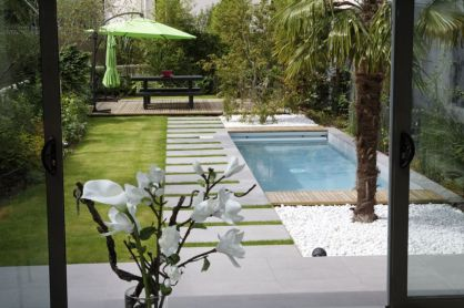 Beautiful small outdoor inground pools design ideas 45