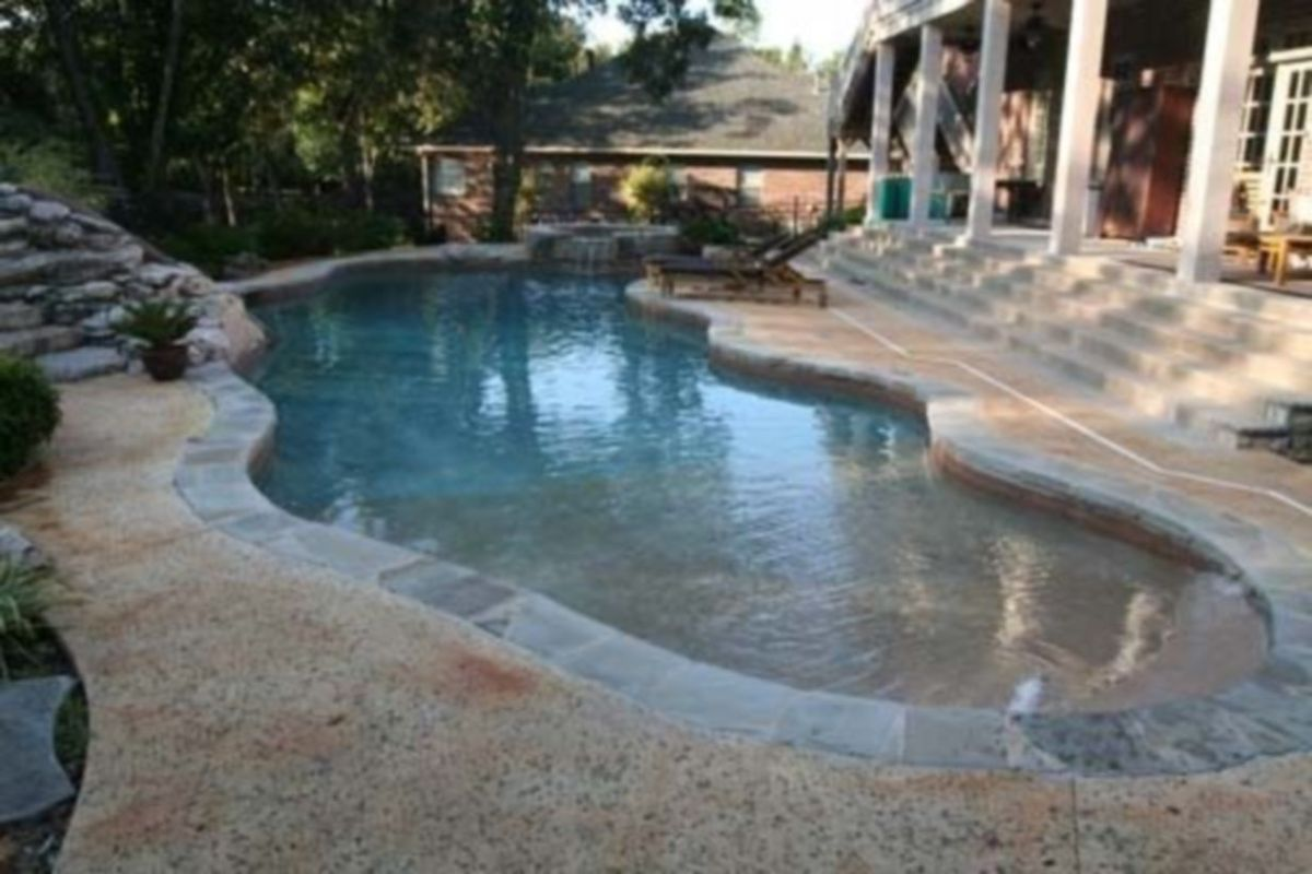 Beautiful small outdoor inground pools design ideas 47