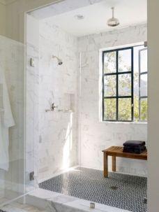 Beautiful urban farmhouse master bathroom remodel ideas (19)