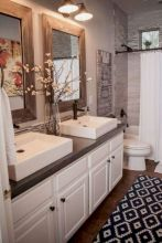 Beautiful urban farmhouse master bathroom remodel ideas (22)