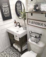 Beautiful urban farmhouse master bathroom remodel ideas (3)