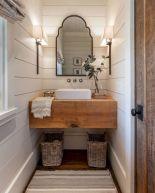 Beautiful urban farmhouse master bathroom remodel ideas (41)