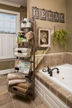 Beautiful urban farmhouse master bathroom remodel ideas (5)