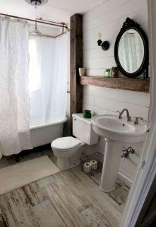Beautiful urban farmhouse master bathroom remodel ideas (7)
