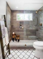 Beautiful urban farmhouse master bathroom remodel ideas (9)