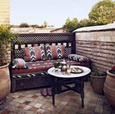 Cozy moroccan patio decor and design ideas (25)
