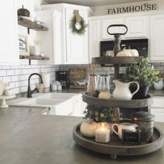 Elegant farmhouse decor ideas for your home (20)