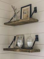 Elegant farmhouse decor ideas for your home (24)