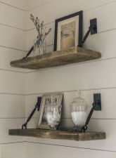 Elegant farmhouse decor ideas for your home (24)