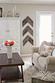 Elegant farmhouse decor ideas for your home (30)