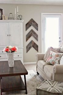 Elegant farmhouse decor ideas for your home (30)