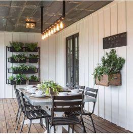 Elegant farmhouse decor ideas for your home (42)