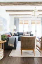 Elegant farmhouse living room design decor ideas (26)