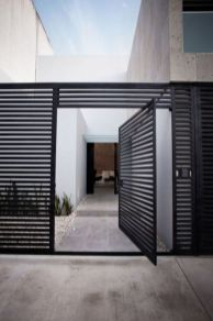 Exclusive and modern minimalist fence design ideas 22