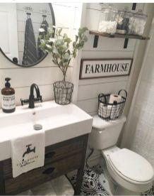 45 Gorgeous Farmhouse Master Bathroom Decorating Ideas - Round Decor
