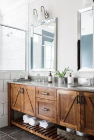 Gorgeous farmhouse master bathroom decorating ideas (15)