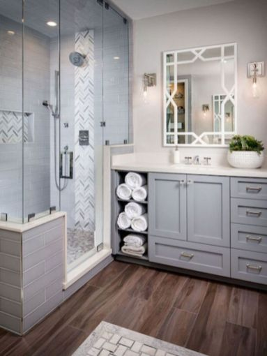 Gorgeous farmhouse master bathroom decorating ideas (21)