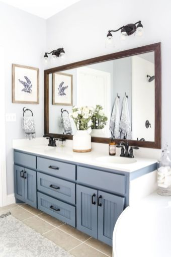 Gorgeous farmhouse master bathroom decorating ideas (34)
