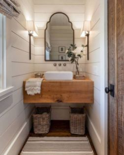 Gorgeous farmhouse master bathroom decorating ideas (40)